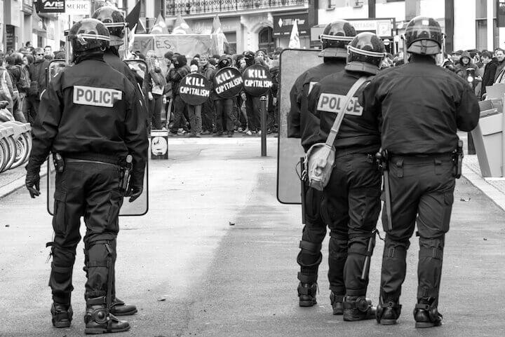 https://www.streetpress.com/sites/default/files/31_police_paysages_31-03-2016_1_1.jpg