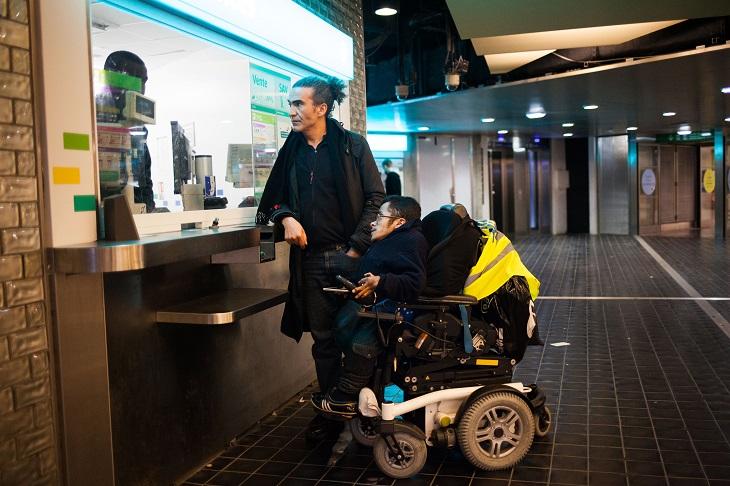 rencontre quelqu'un dans un fauteuil roulant gay