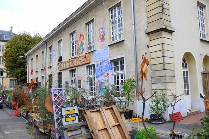 https://www.streetpress.com/sites/default/files/caserne-nid-jardin-aliceok.jpg