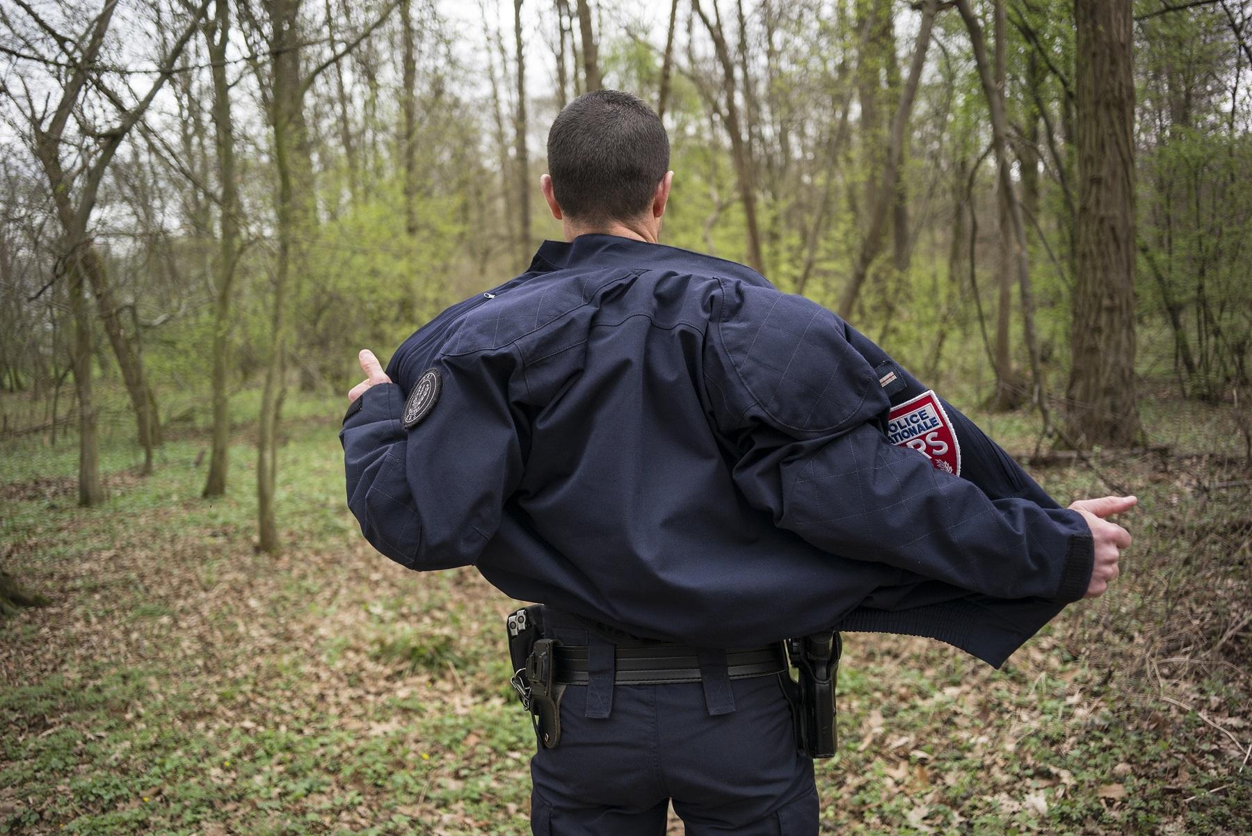 Comment la police a poussé le CRS Ménard au suicide