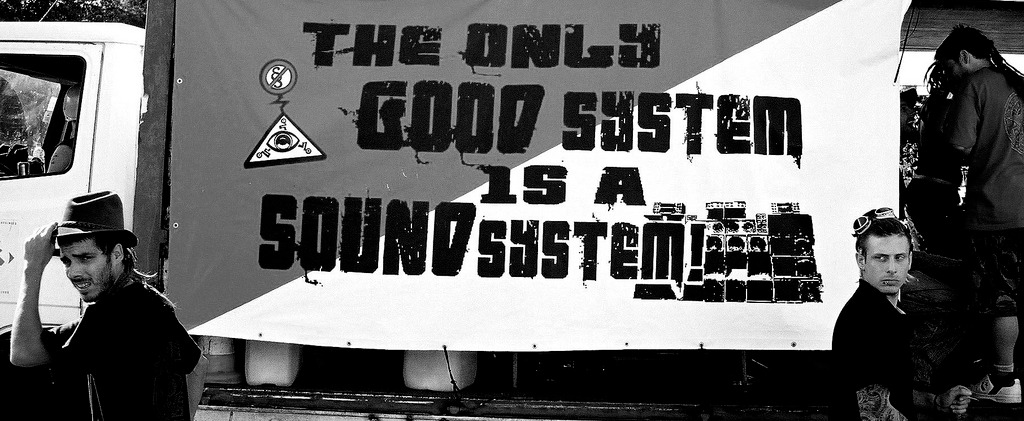 Save the Sounds Systems ! : un fond pour défendre les organisateurs de free party