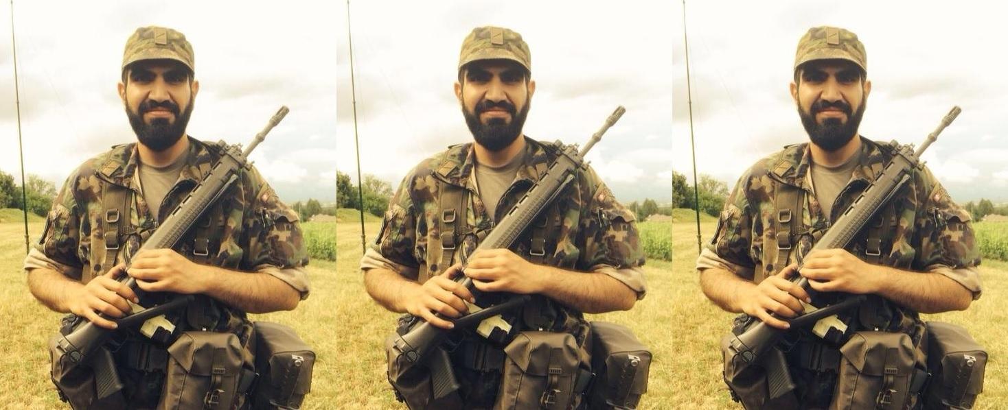 Des armes de guerre chez un fidèle d'Alain Soral