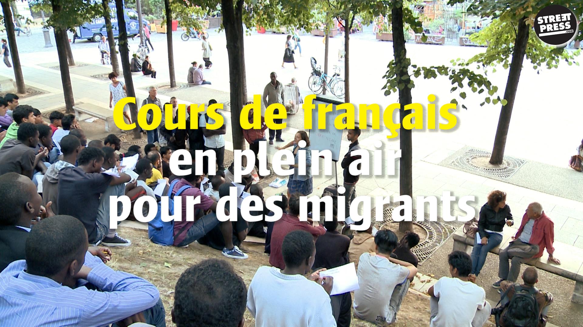 Cours de français en plein air pour des migrants de Stalingrad