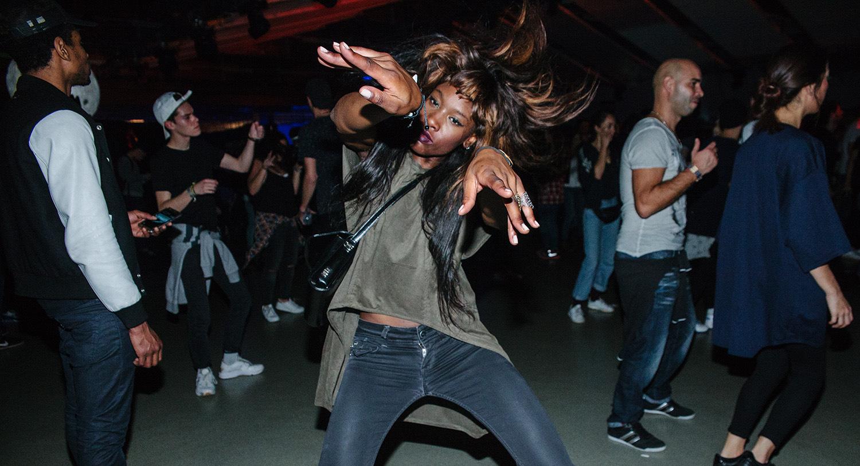 Le Voodoo, la nouvelle danse techno qui envahit Paris