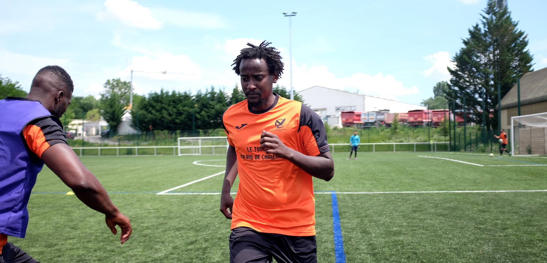 Nazar, de l'équipe nationale du Soudan au club de district du 12e arrondissement