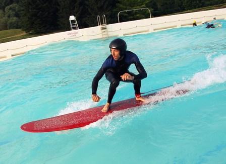 Avec les surfeurs de la piscine vagues d 39 etampes - Piscine la vague horaire ...