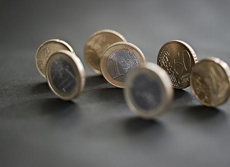 J. Blanc, économiste: «Je suis dubitatif à propos du billet de 1 euro»