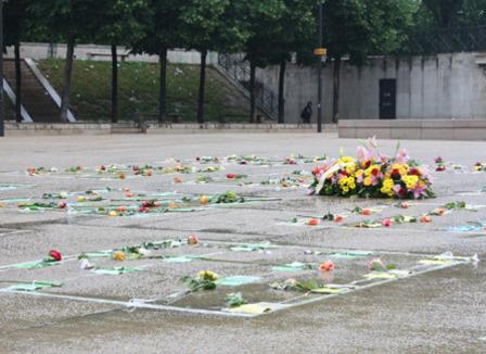 Un mémorial éphémère pour les SDF morts dans la rue