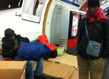 Montreuil : Une nuit à chercher un squat avec un groupe de 76 migrants africains