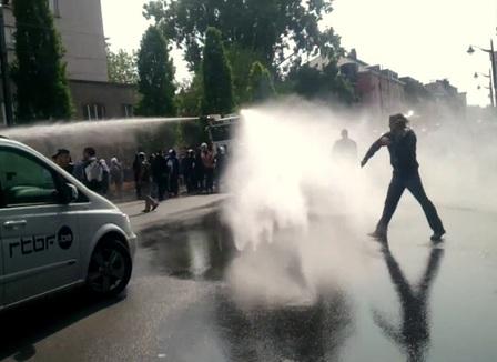 A Bruxelles, la galaxie Soral prend une douche