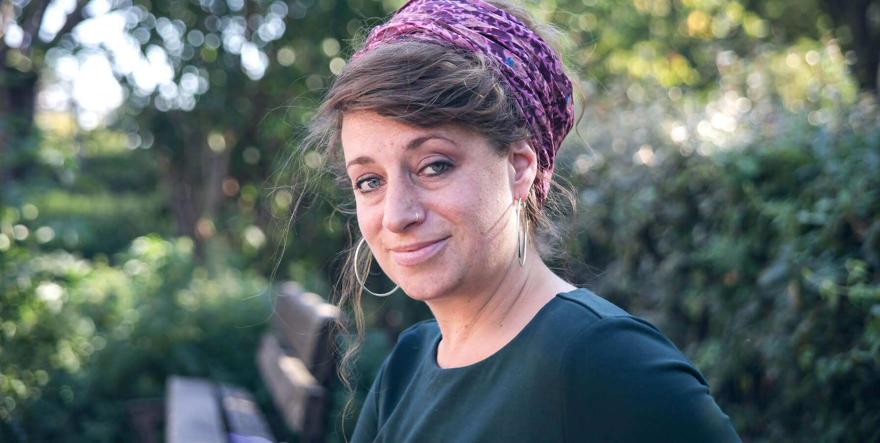 Heather Young collecte des duvets dans toute l'Europe pour les donner aux réfugiés de Paris