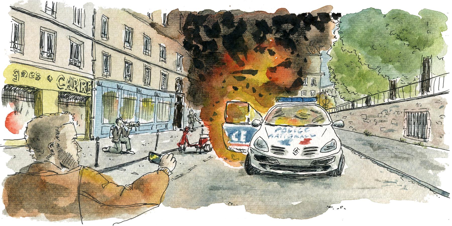 Qui est l'individu au caleçon rose qui a participé à l'incendie du véhicule de police?