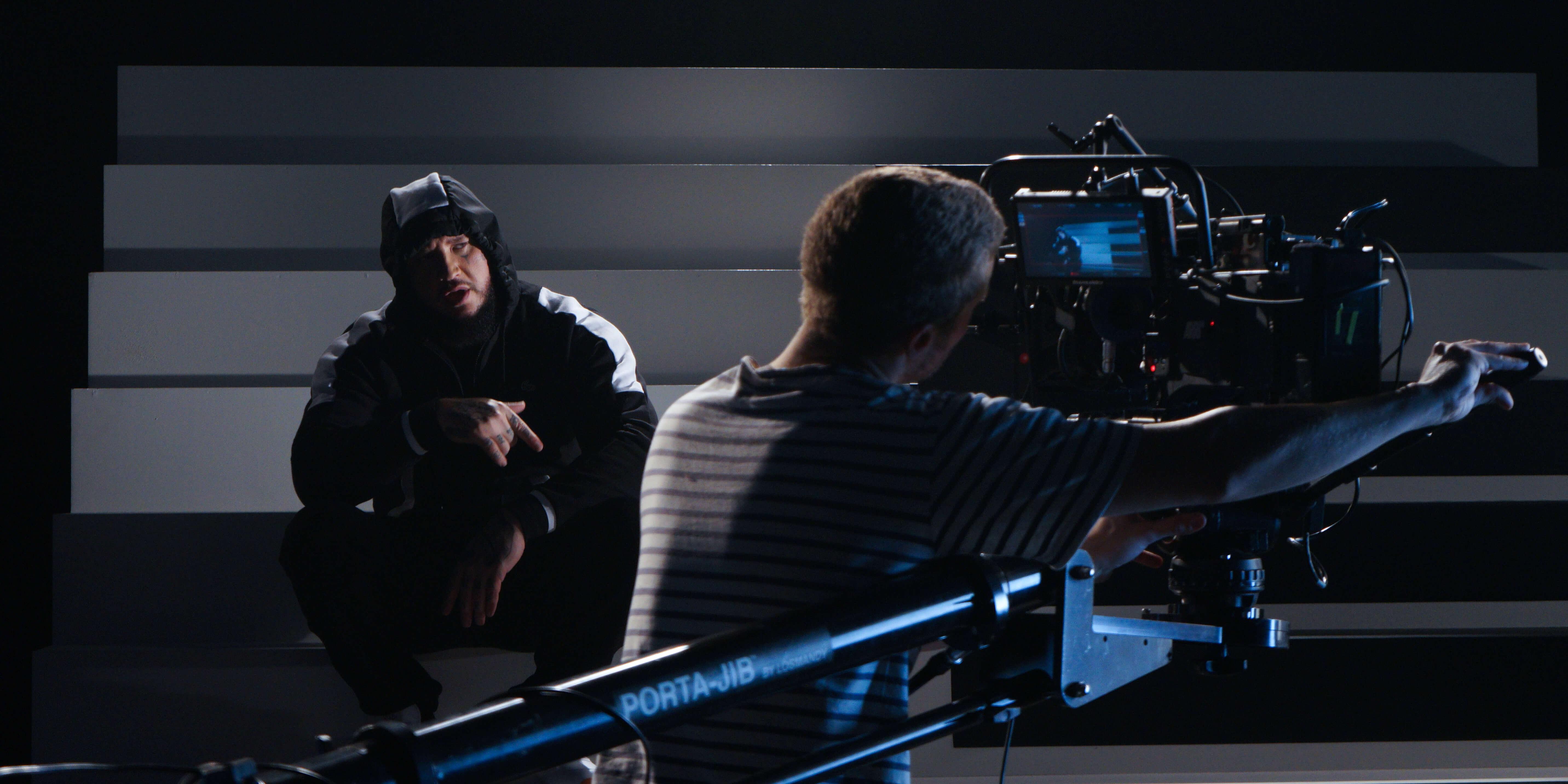 Sur le tournage de Rubrique Necro, le dernier clip de Seth Gueko