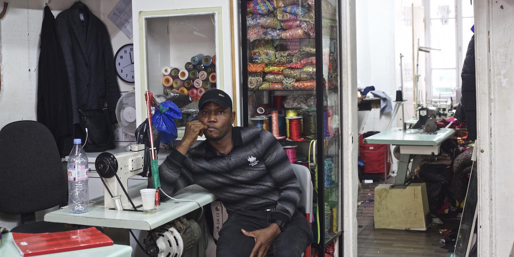 La rue des tailleurs traditionnels africains de la Chapelle