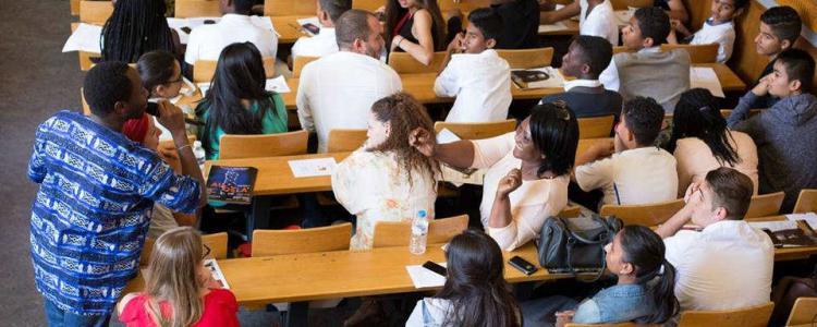 Comment on a ouvert l'université aux réfugiés