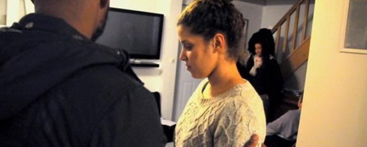 Des flics matraquent et jurent de «baiser ta femme»: bienvenue au commissariat de Cergy