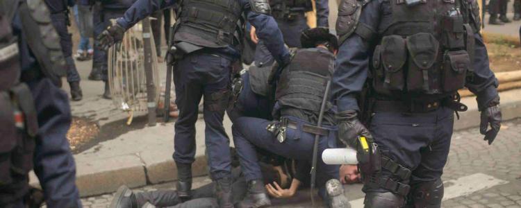 Loïc, frappé par la police et condamné