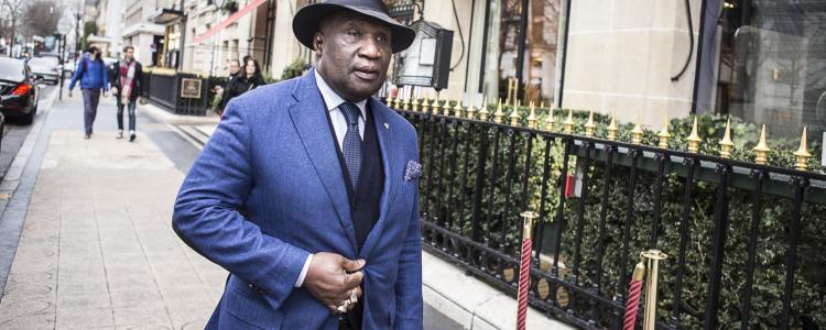 « Monsieur Omar », portier de boîte de nuit et entremetteur pour la Françafrique