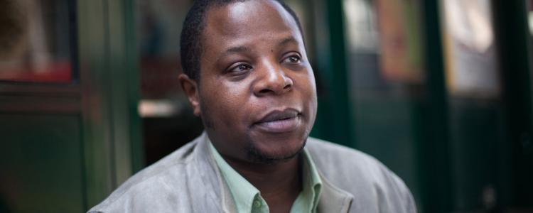 Stéphane Soo Mongo, sa carrière sur TF1 et ses souvenirs de Jamel Debbouze
