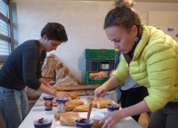 Le burn-out des « super-héros » bénévoles mobilisés auprès des exilés