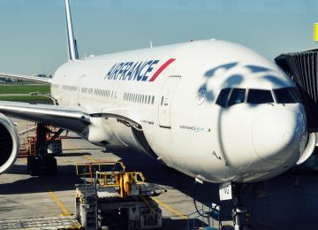 Les passagers d'un avion empêchent l'expulsion d'un sans-papiers