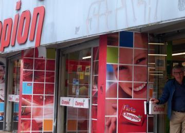 Montmartre pleure la fermeture du dernier magasin Champion de France