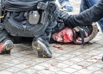 A Toulouse, black blocs et antifas se sont fightés avec la police
