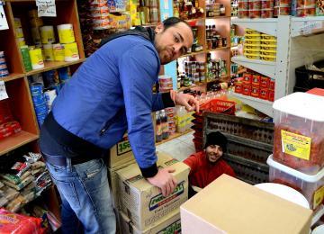 A Belleville, l'épicerie Sabbah est Casher et Halal depuis 2001