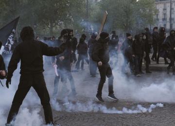 « Ni Macron, ni Le Pen » : on était avec les manifestants de la Nuit des barricades