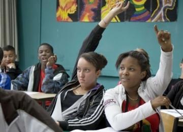 Des lycéens victimes de contrôles au faciès portent plainte contre l'Etat