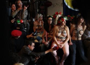 Les Femen : « on se sert de nos corps comme des armes »