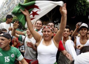 Roubaix, son maire UMP et son « couvre-feu » pour les supporters algériens