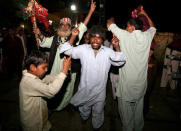 Photo: Road trip sur les tombeaux soufis au Pakistan