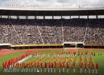 Enfants-soldats, majorettes et esquimaux à 1$: Bienvenue à Harare pour la fête nationale