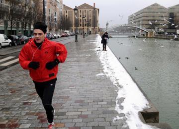 Pourquoi font-ils du jogging sous la neige ?