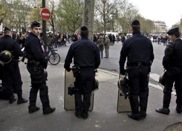 Quand la police met Barbès en état de siège pour rafler des sans-papiers