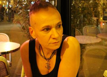 Flozif, papesse de l'érotisme lesbien à Paris