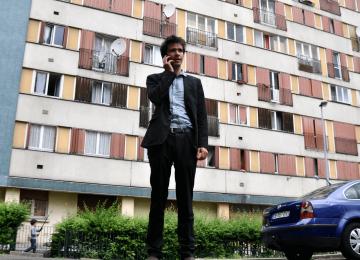 Juan Branco, le candidat en costard de la France Insoumise