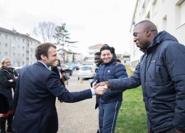 Macron la voix des quartiers, quelle blague !