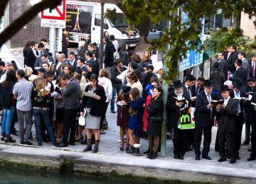 L'après-midi où des milliers de juifs vident leurs poches dans le bassin de la Villette