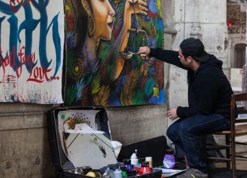 Le prêtre qui expose du street art dans son église