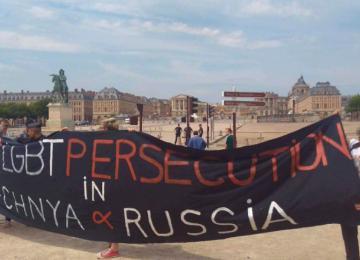 Quand Poutine passe en France, les militants LGBT se font arrêter