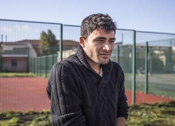 Derrière les grilles de la plus grande prison pour sans-papiers de France