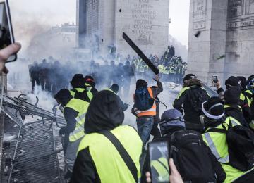 Comment la gauche radicale a enfilé un gilet jaune